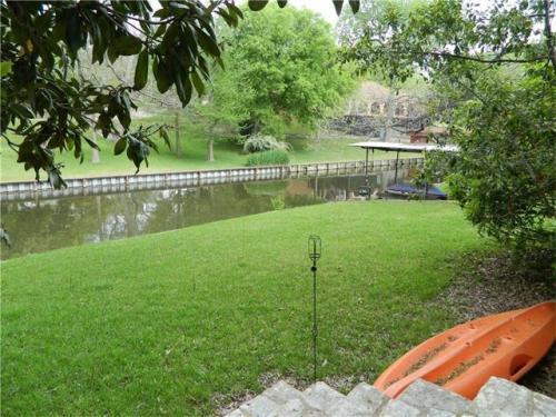 2203 N River Hills Rd Photo 1