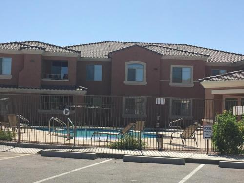 900 S Canal Dr #209 Photo 1