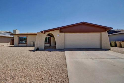 4821 W Desert Cove Ave Photo 1