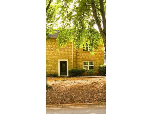 280 Winding River Dr #F Photo 1