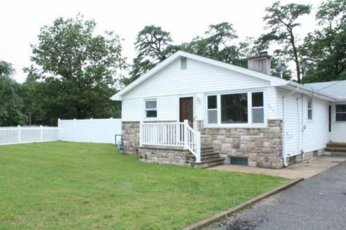 254 Admiral Ave Photo 1