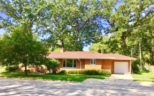 Park Ridge Home For Rent Updated 5h Ago 2400 W Sibley St Photo 1