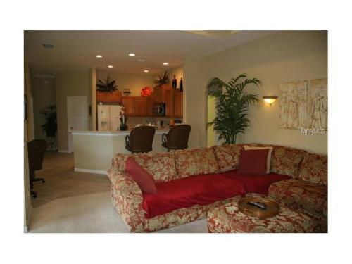 644 Rivendell Boulevard Photo 1