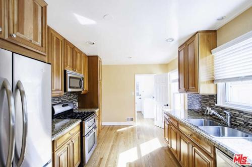5923 S Fairfax Avenue Photo 1