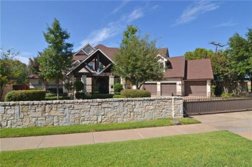 6831 Lakehurst Avenue Photo 1