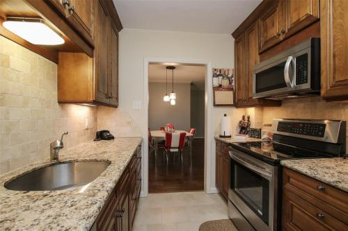 2224 S Piney Point Road #214 Photo 1