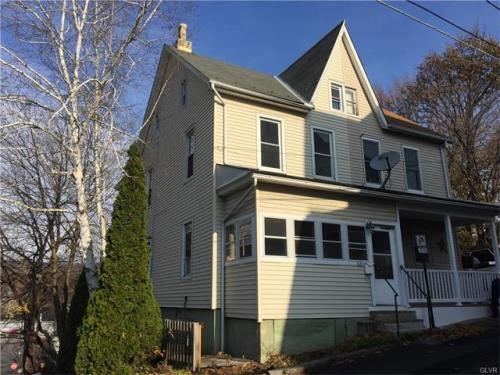 426 Center Avenue Photo 1
