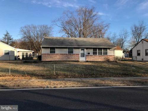 400 Carson Avenue Photo 1