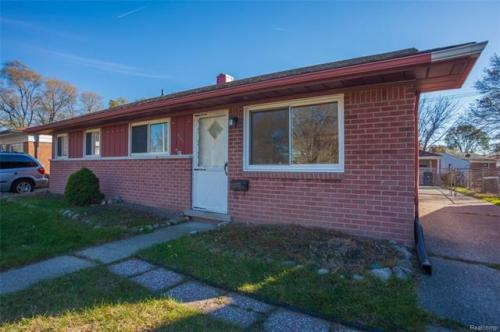 31203 Cherry Hill Road Photo 1
