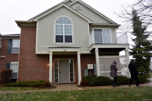 10211 Chesapeake Circle Photo 1