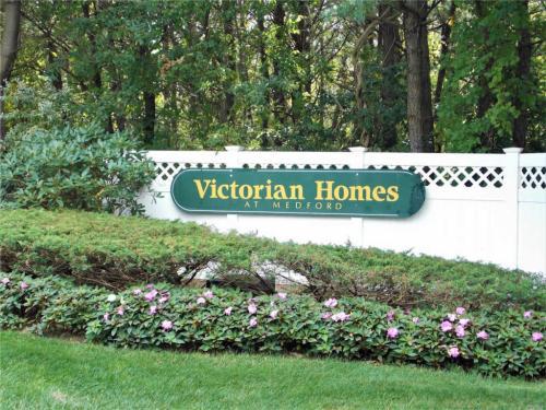35 Victorian Lane Photo 1