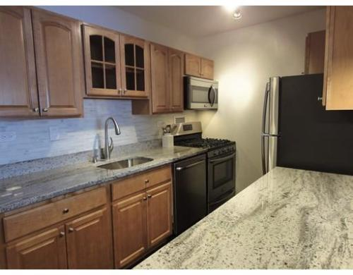 8 Whittier Place Photo 1