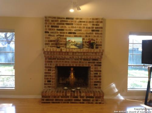 2918 Oak Falls Street Photo 1