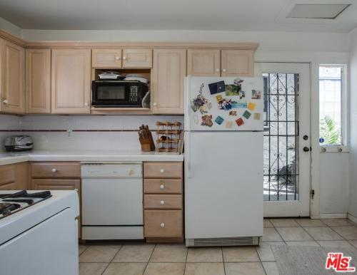 706 N Mccadden Place Photo 1