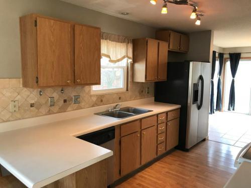 3130 Castlebrook Avenue Photo 1