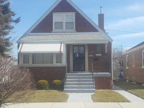4447 S Keeler Avenue Photo 1