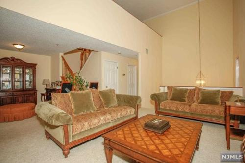 1508 Cornwall Road Photo 1
