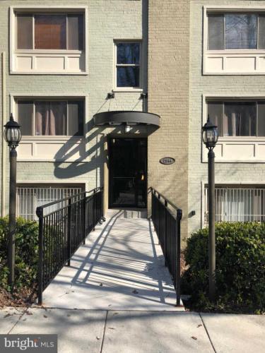 2844 Hartford Street SE #101 Photo 1