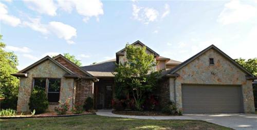 613 Colleyville Terrace Photo 1