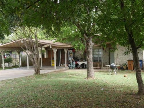 306 White Oak Drive #A Photo 1