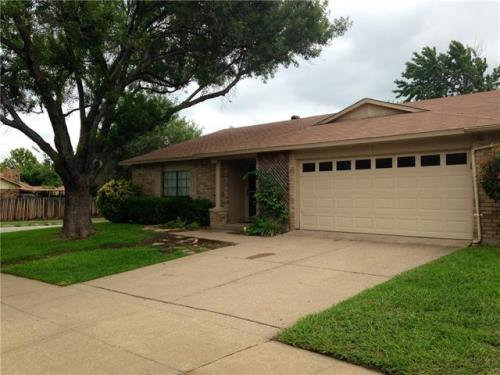 4216 Staghorn Circle S Photo 1