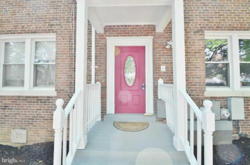 217 Adams Street NE #1 Photo 1