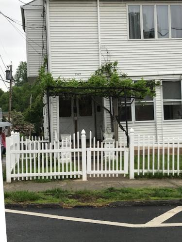 242 Brook Avenue Photo 1