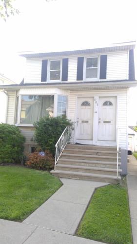 561 Dewey Avenue Photo 1