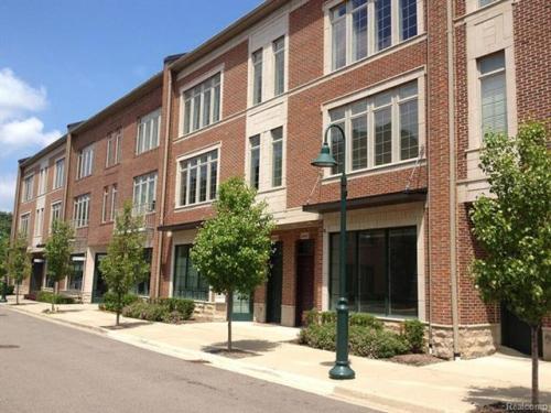 546 Graten Street Photo 1