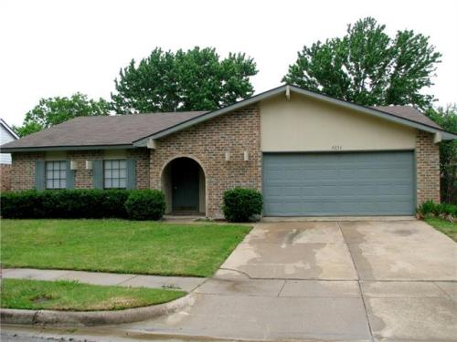 4233 Staghorn Circle S Photo 1
