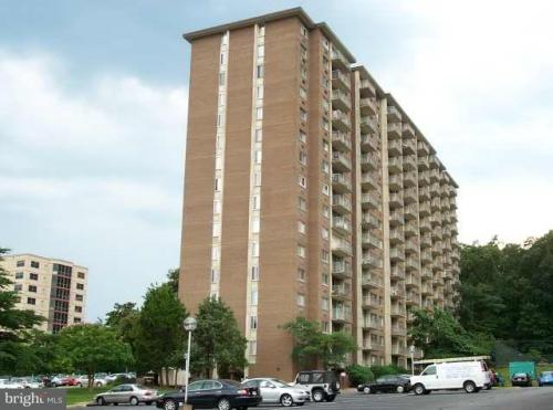 2059 Huntington Avenue Photo 1