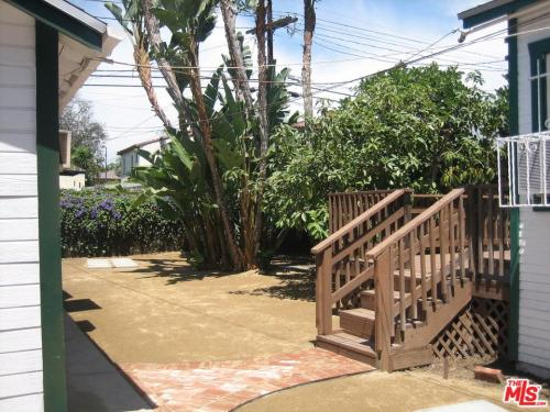 833 N Laurel Avenue Photo 1