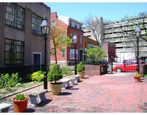 24 Isabella Street #1 Photo 1