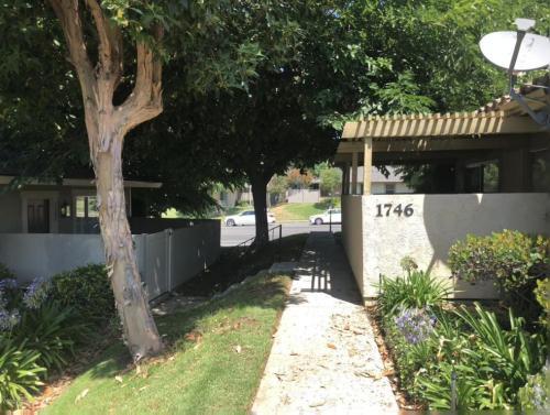 1744 E Avenida De Las Flores Photo 1