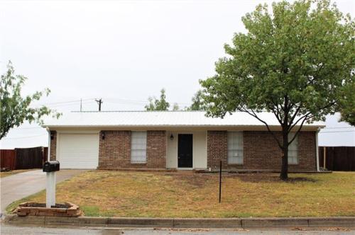 516 White Oak Lane Photo 1
