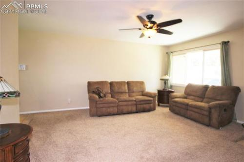 18 S Brentwood Drive Photo 1