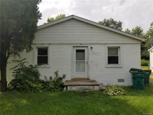 35827 Beverly Road Photo 1