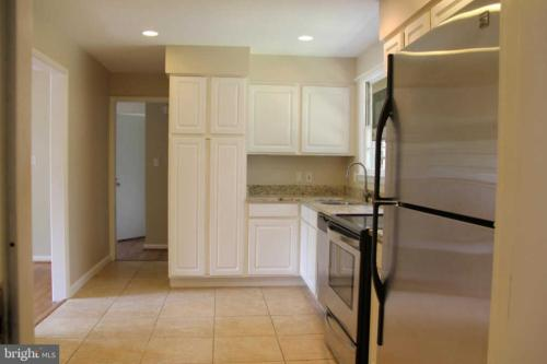6926 Whitehall Place, Mclean, VA 22101 | HotPads