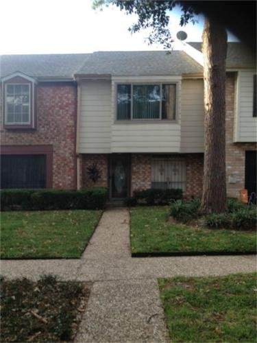 10280 Briar Forest Dr Photo 1