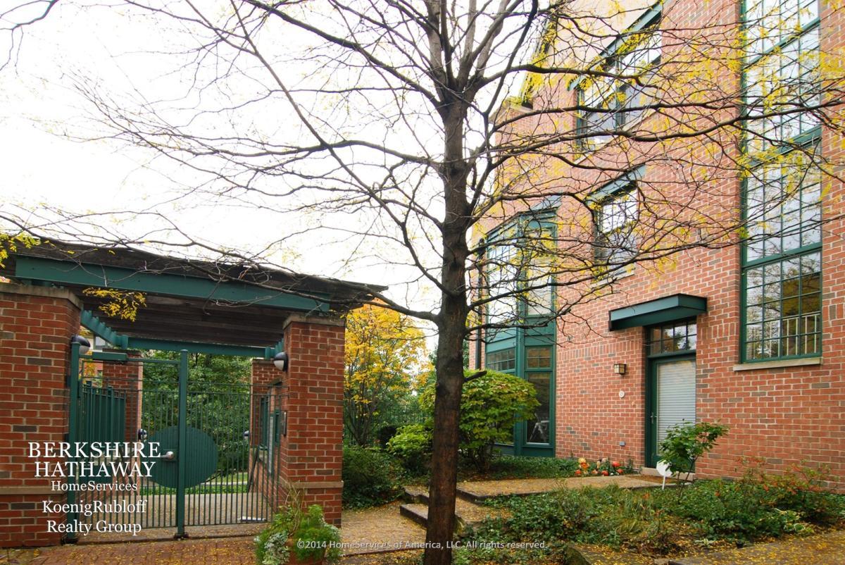 Apartment Unit 25 At 101 N Euclid Avenue Oak Park IL 60301