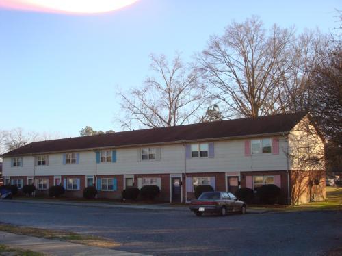 401 W Washington Street E Photo 1