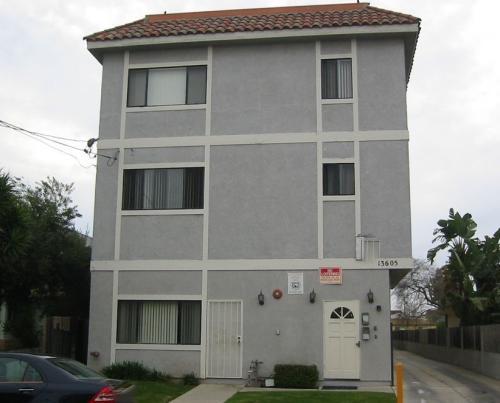 13605 Cerise Avenue #12 Photo 1