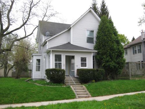 548 Walnut Street NE Photo 1