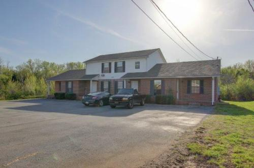 820-b Golfview Place Photo 1