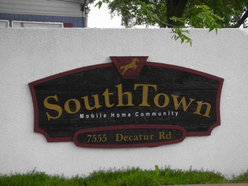 7555 Decatur Rd Photo 1