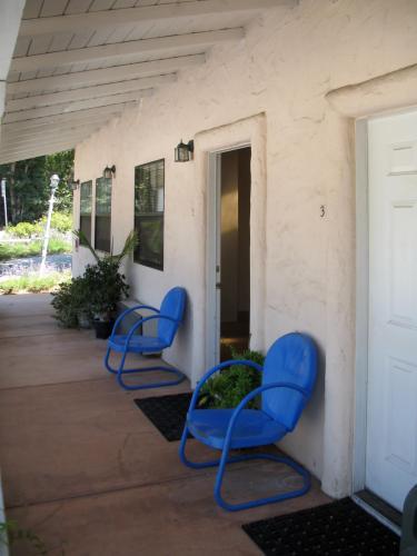 4455 Hollister Avenue Photo 1