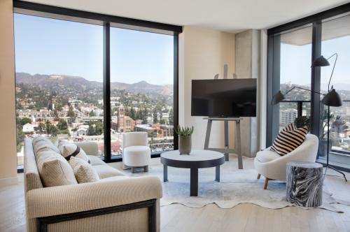 Hollywood Proper Residences Photo 1