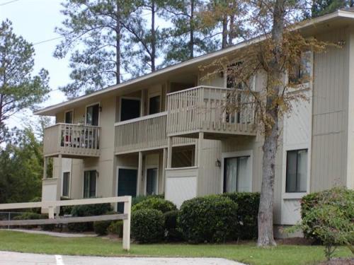 Oakview Place Photo 1