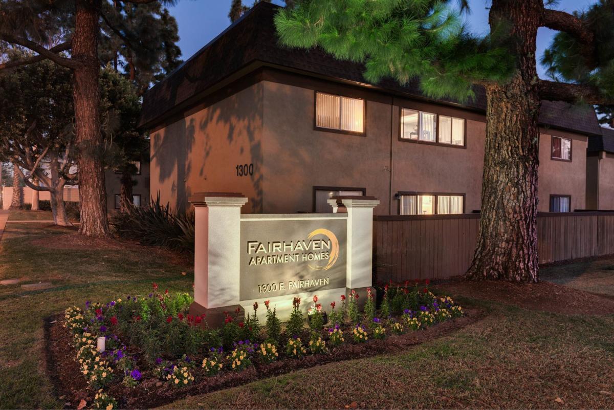 1300 E Fairhaven, Santa Ana, CA 92705 | HotPads