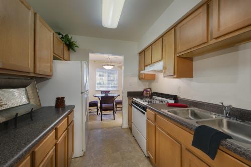 Woodshire Apartments Photo 1